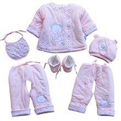 幼儿服装多件套