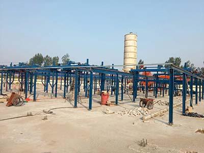 牧原漏粪板设备生产线