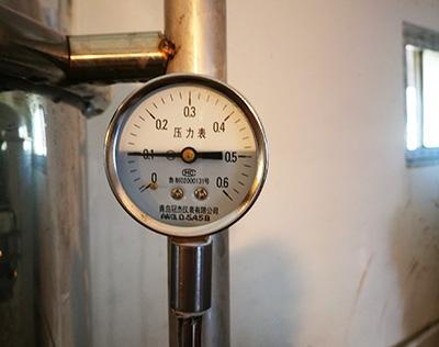 啤酒设备上的压力表如何安装呢