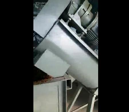 4筒平菇生料下载亚洲装袋机