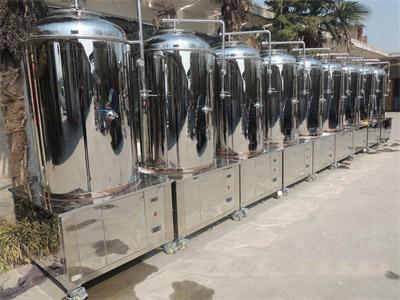 精酿啤酒设备运行时电压不稳怎么办?