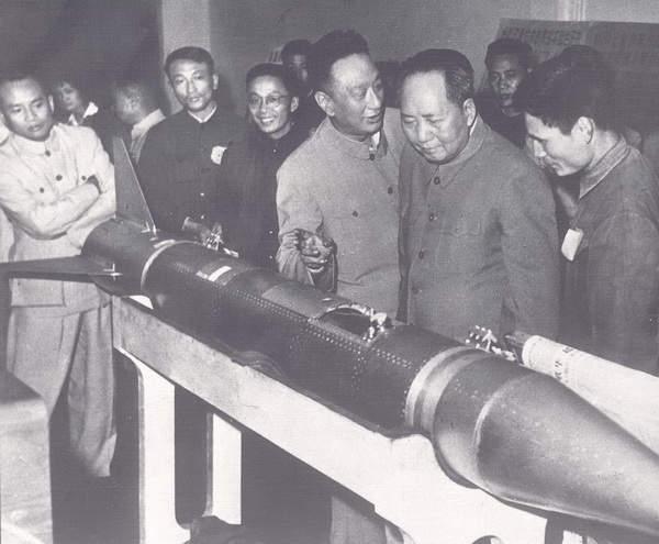 1960年2月19日,中国自行设计制造的试验型液体燃料探空火箭首次发射成功