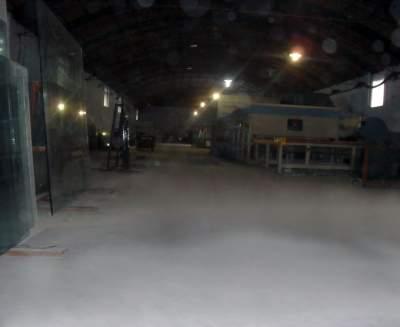 钢化玻璃车间