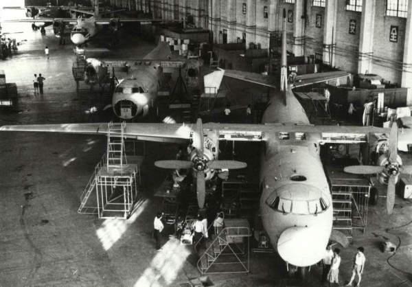 1970年12月25日第一架国产运7飞机首次试飞