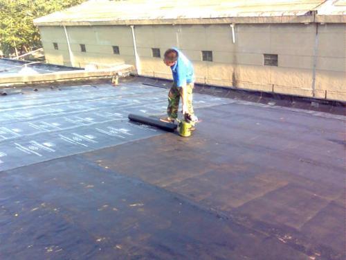 屋顶防水堵漏工程施工中