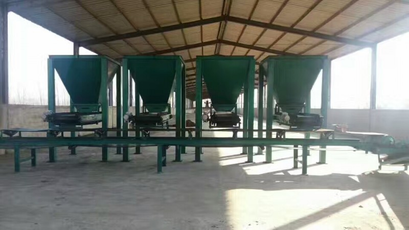 定量給料機、料倉及輸送機使用現場