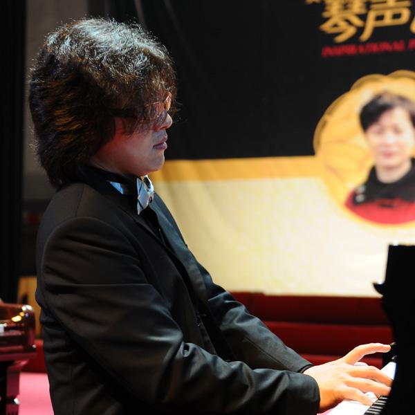 2010年8月主辦吳純鋼琴獨奏音樂會