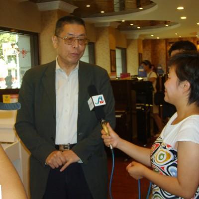 国际一流钢琴大师刘诗昆于2009年8月莅临指导