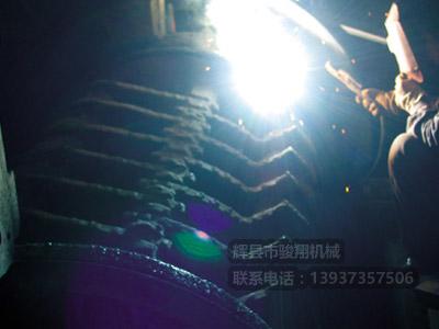 现场堆焊单段破碎机转子耐磨层