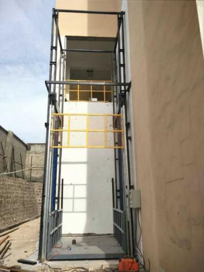 室外导轨式升降机(梯)