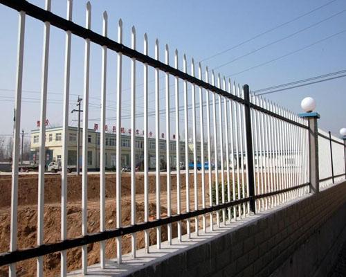 二横梁围墙护栏