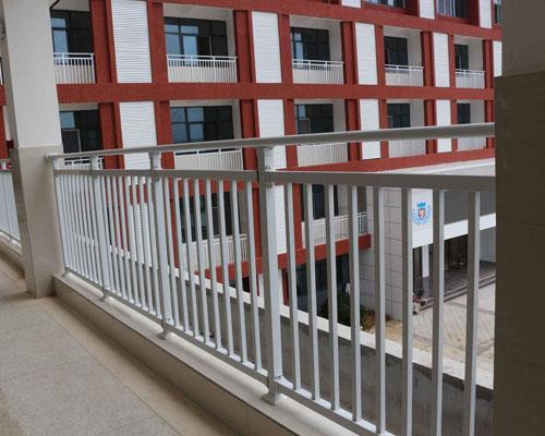 锌钢阳台护栏厂家