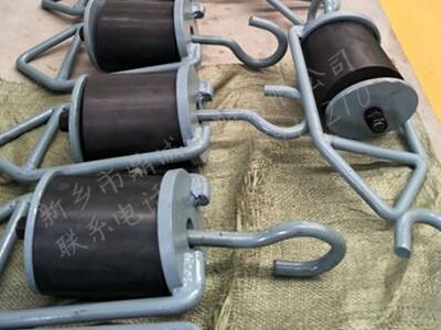 吊挂减振装置