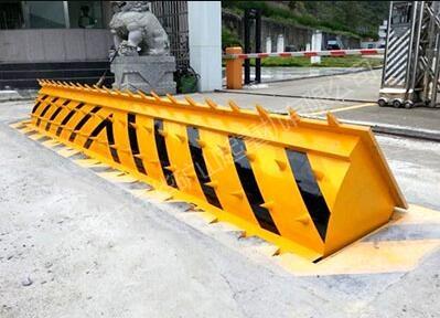 交通路障設施