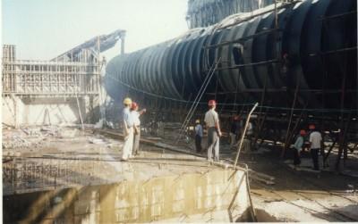 三峡工程压力钢管防腐