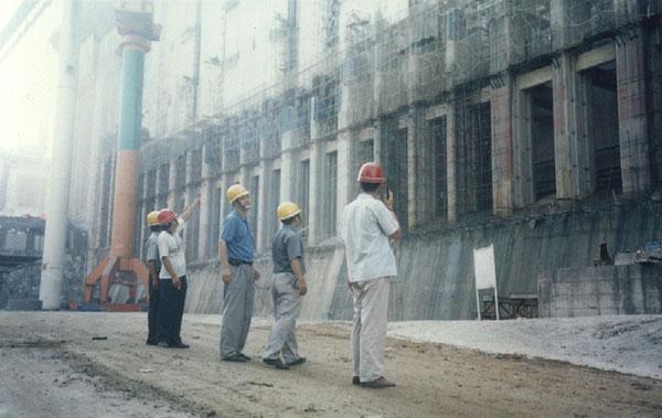 三峽工程壓力鋼管防腐
