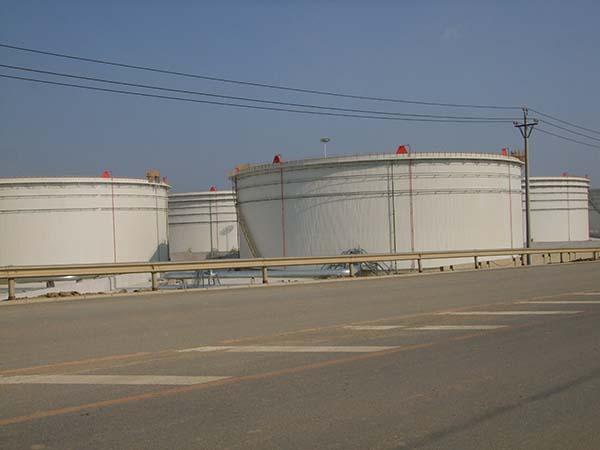青島麗星儲罐區10萬立油罐防腐保溫