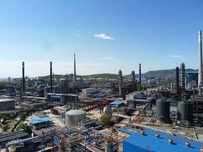 燕山石化炼油厂装置防腐保温