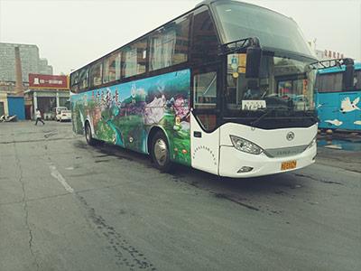 公交车体广告投放