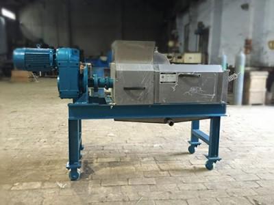 0.5T/h小型单螺旋压榨机