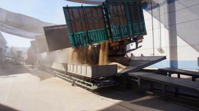 移动式翻板卸车机